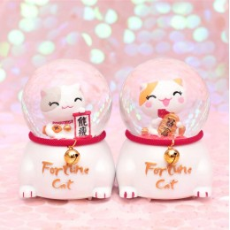 0090 Lucky Cat Crystal Ball
